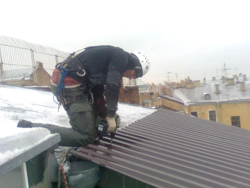 Крыша на балкон: монтаж крыши на балкон из профнастила.
