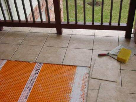 электрический теплый пол на балконе под плитку