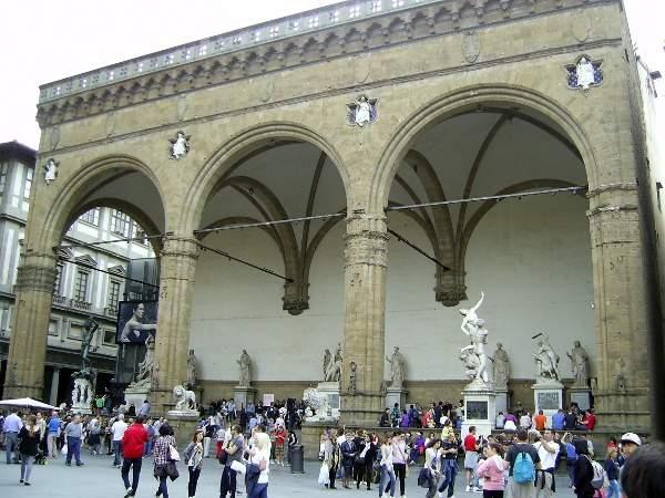 Лоджия Ланци во Флоренции