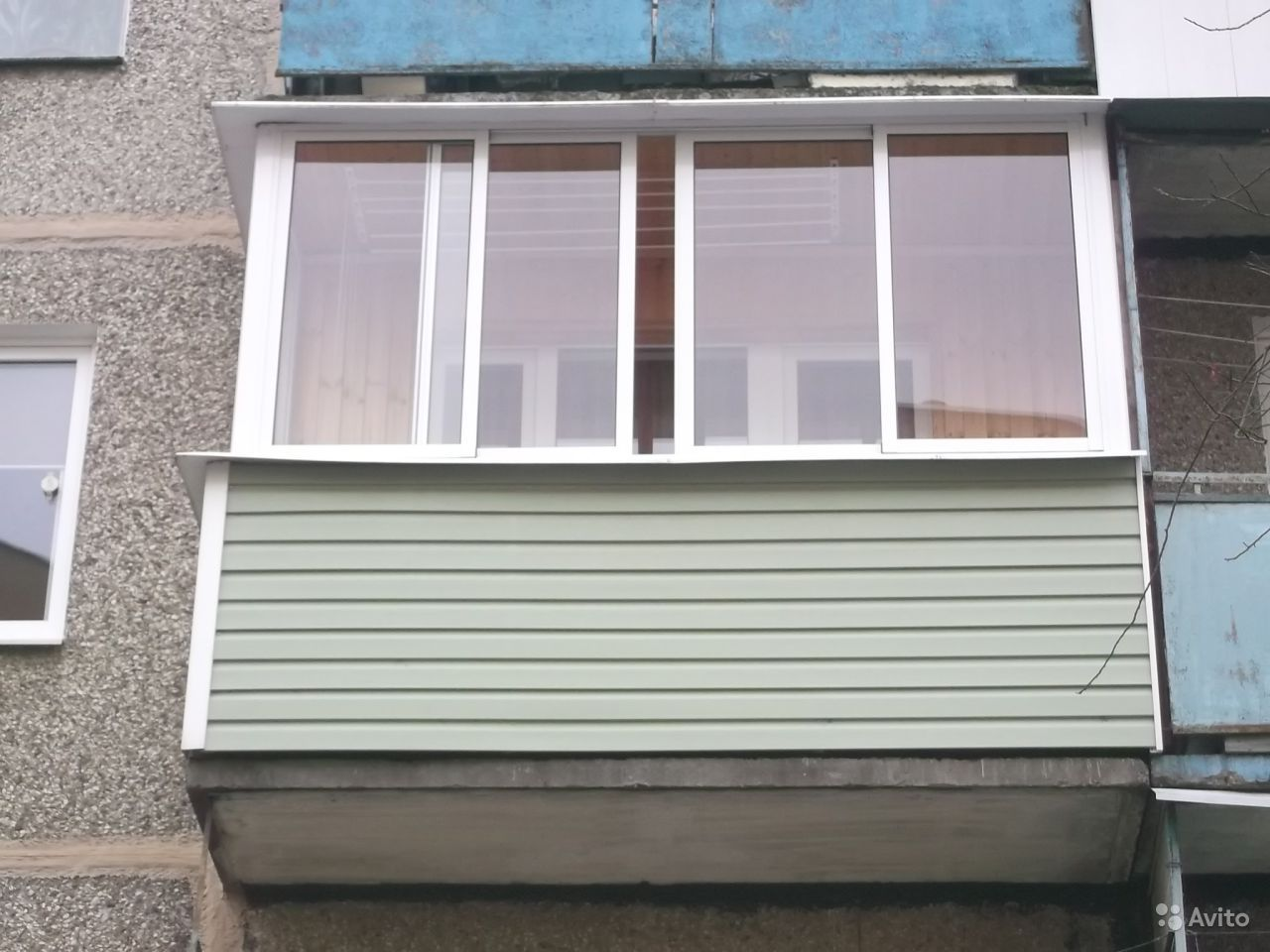 Обшивка балкона сайдингом снаружи: фотоинструкции и видео.